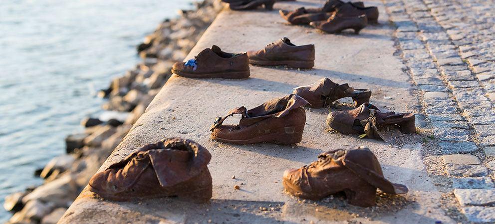 Conocer los Zapatos del Danubio