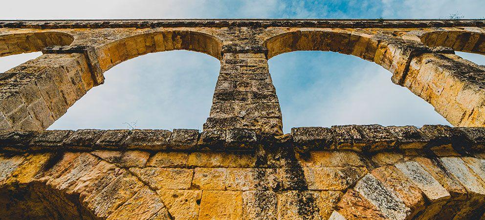 Visitar el acueducto de Les Ferreres