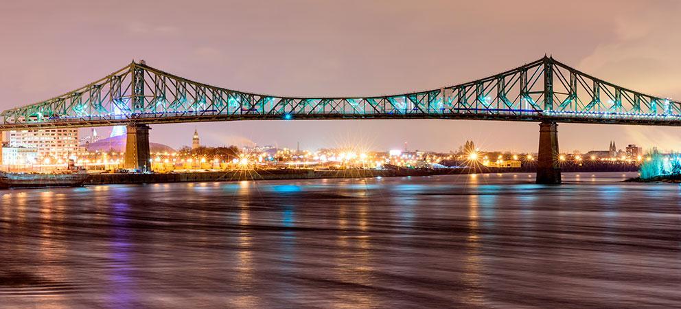 Iluminacion del Puente Jacques Cartier
