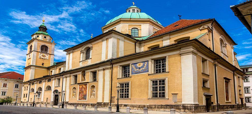 Visitar la Catedral de San Nicolas
